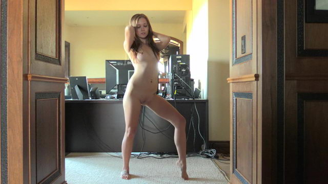 Sexy 19 yo Girl FTV Brielle Dancing Naked