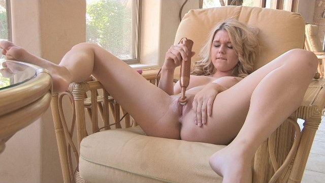 Young FTV Chloe Masturbating with Vibrator