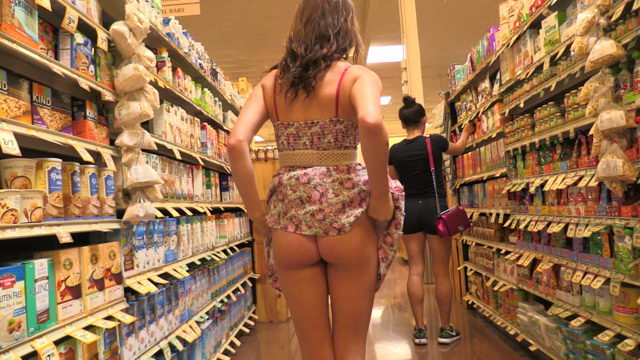Kinsley Flashing Boobs & Pussy in a Grocery Store