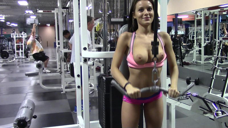 Young Sexy Girl Flashing her Boobs in the Gym