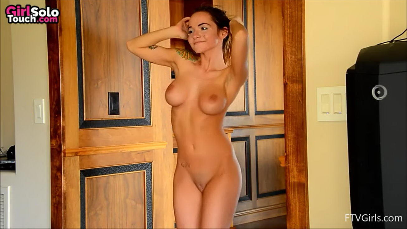 Sexy Girl Dancing Naked